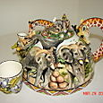 Giraffe Handle Dome Teapot